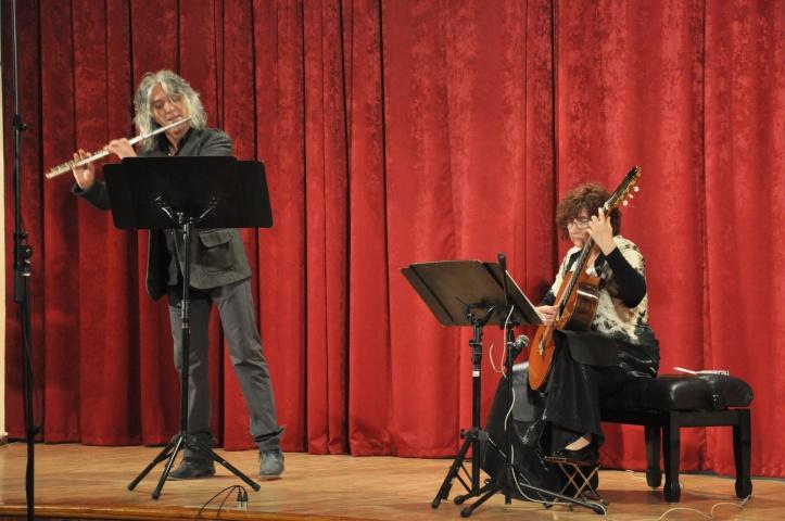 duo Crescendo-Serbia Vesna Petkovic Guitar Flute Zlatkovic.JPG